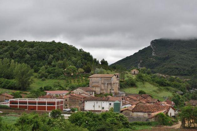 Vista norte de Korres, cerrando el portillo